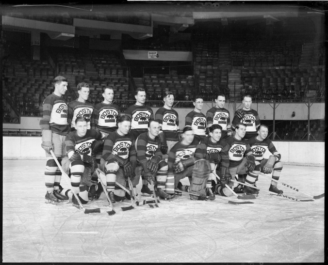 The 1930-31 Boston Bruins. A study of the roster that year would suggest that that's, back Row, left to right: Marty Barry, Art Chapman, Harry Oliver, Harold Darragh, Red Beattie, Cooney Weiland, Henry Harris, Percy Galbraith. Front: Dit Clapper, Jack Pratt, Eddie Shore, Tiny Thompson, Lionel Hitchman, George Owen, Dutch Gainor. (Photo: Boston Public Library, Leslie Jones Collection)