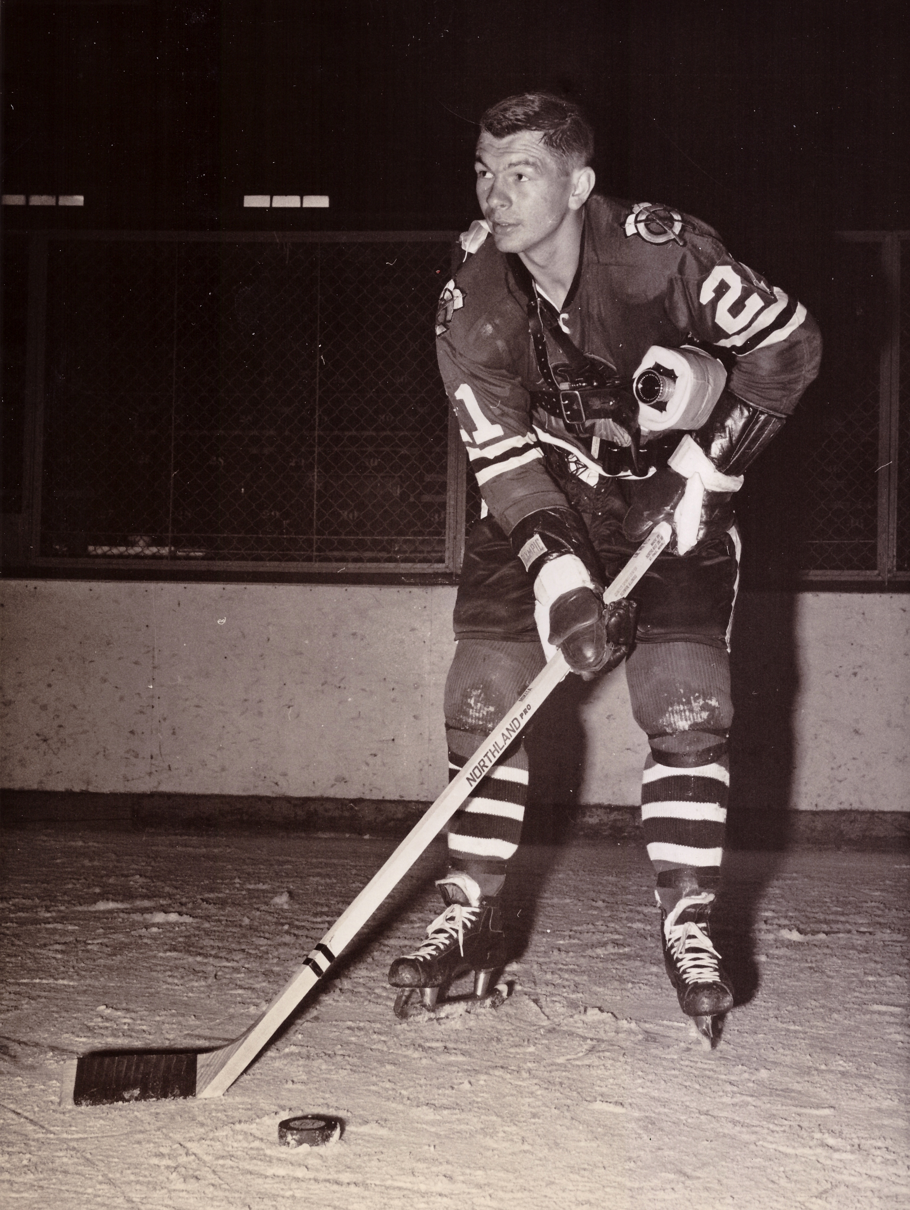 Stancam  Chicago Black Hawks  centre Stan Mikita was the focus of a 1964  CBS television documentary 25bbce344