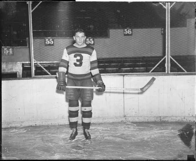 Flashman: Flash Hollet poses, Hitchmanesque, in his Boston 3 in 1935. As a Bruin, he also wore 2, 8, and 12. (Courtesy of the Boston Public Library, Leslie Jones Collection)
